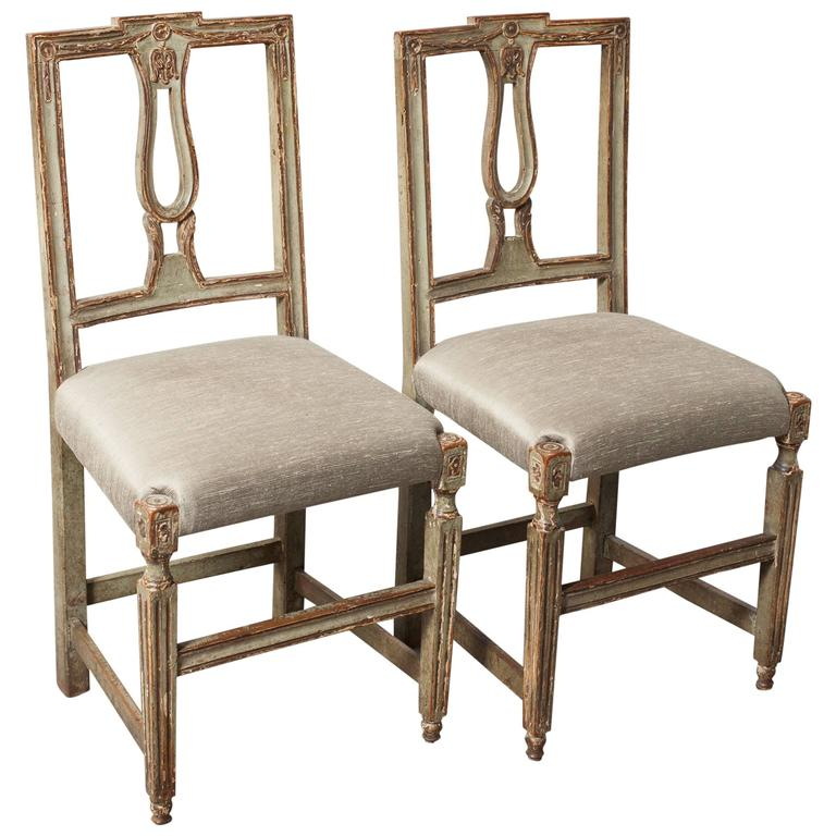 Pair of Neoclassical Italian Side Chairs 1