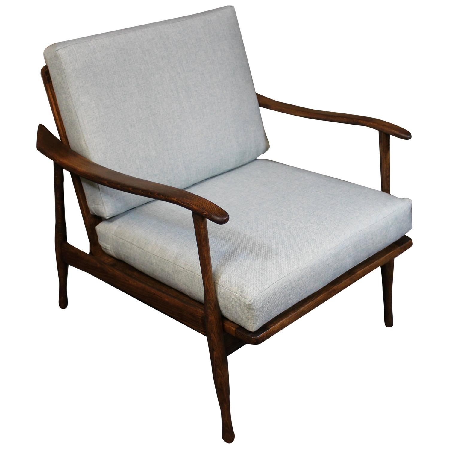Mid century modern lounge chair at 1stdibs for Stylish lounge furniture