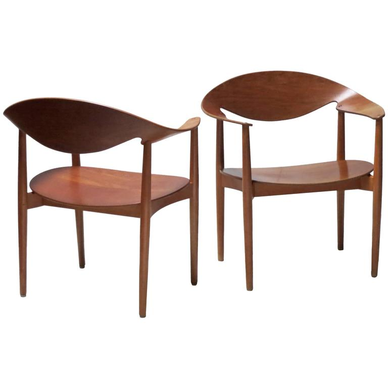 Pair of Metropolitan Chairs by Ejner Larsen and Axel Bender Madsen For Sale