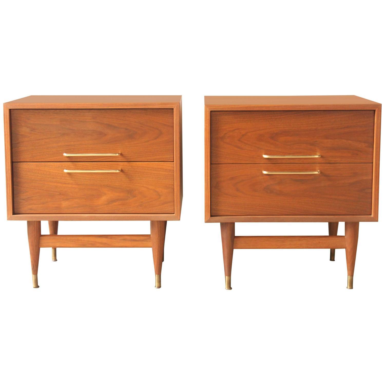 Mid century american walnut nightstands at 1stdibs for Mid century american furniture