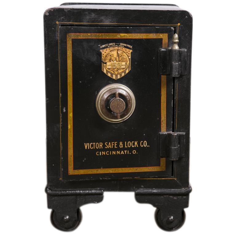 Vintage Safe 65