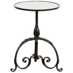 French 1900s Wrought-Iron Round Drink Table on Pedestal Tripod Base with Foliage