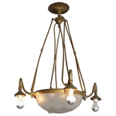 French 1940s Bronze and Crystal Chandelier with 8 Lights and Frosted Cut Crystal