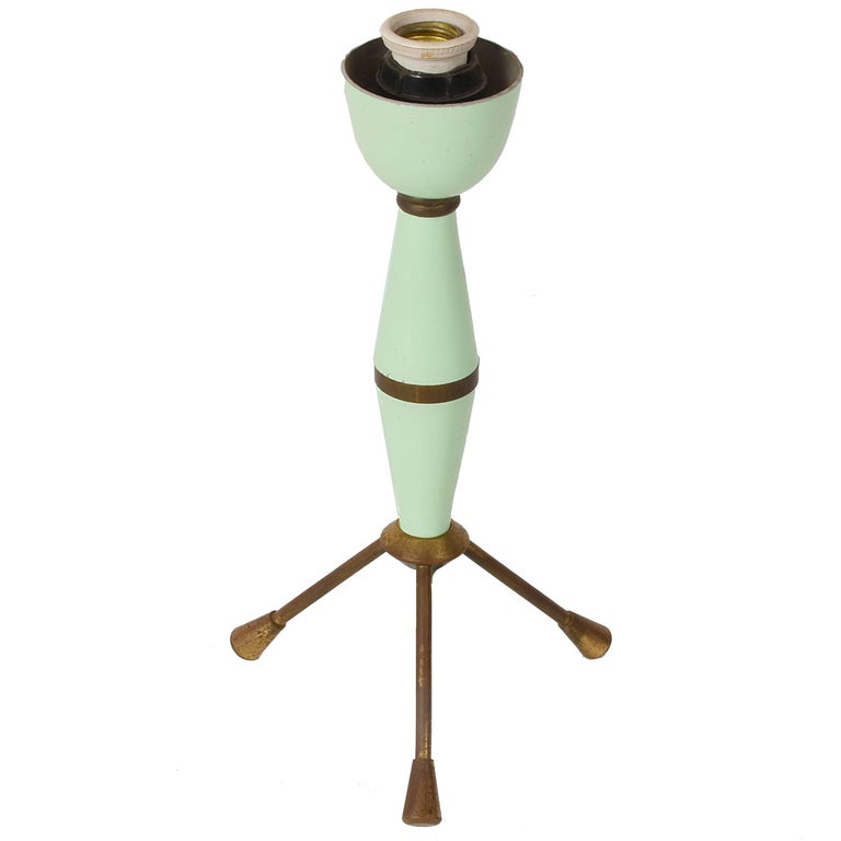 Table Lamp in Lacquered Metal and Brass, Tripod Italy, 1950s, Lighting
