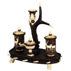 19. Jahrhundert, Fein Geschnitztes Horn Schreibtischgarnitur oder Schreib-Set