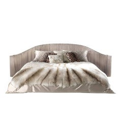 Roberto Cavalli Iconic Collection Sharpei Bed with Arms in Beige