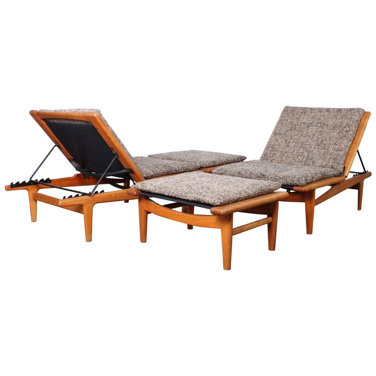 Pair of Oak Chaise Longues by Hans Wegner For Sale