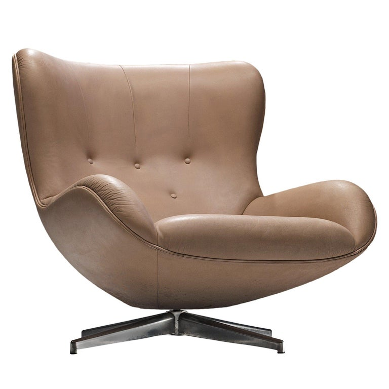 Illum Wikkelsø Swivel Leather Lounge Chair, 1960s
