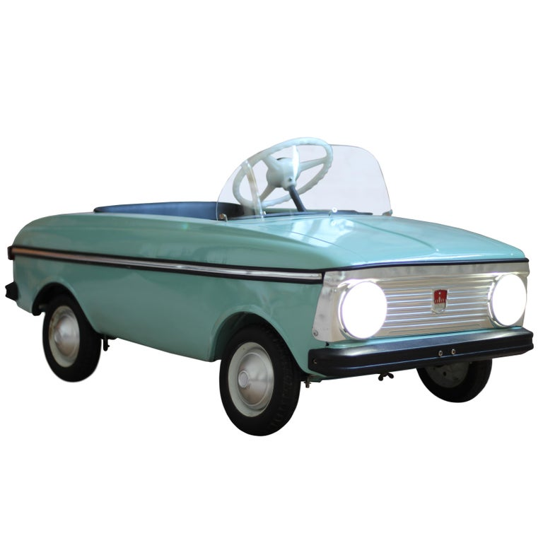 Azak Moskvich Toy Pedal Car in Blue, 1976