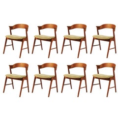 1960s Set of Eight Danish Teak Dining Chairs Known as Model 32