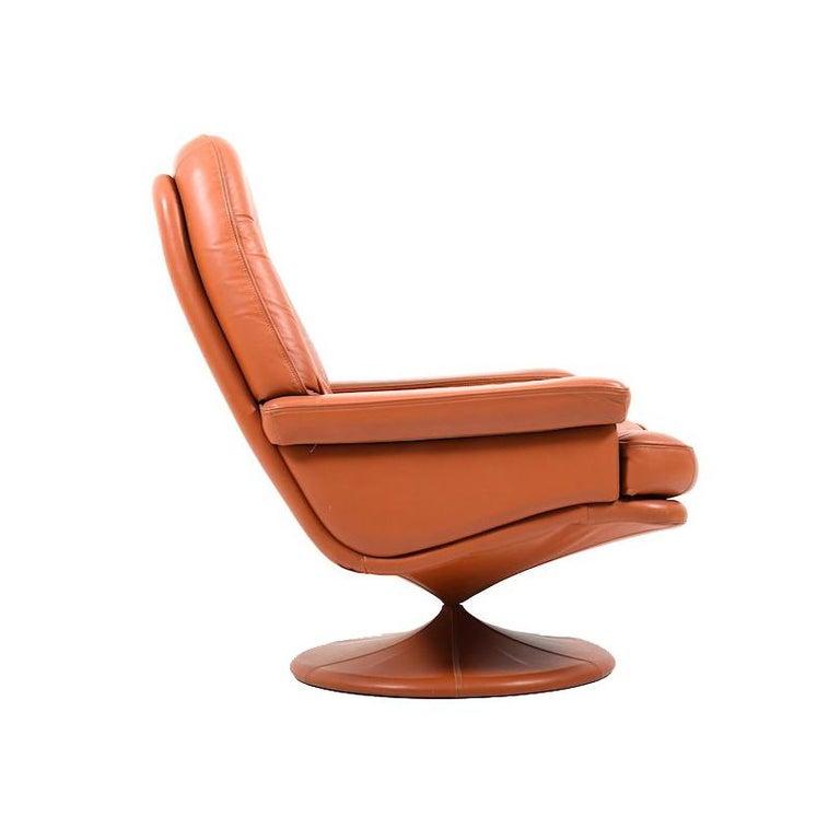 1970s Scandinavian Leather Swivel Lounge Chair