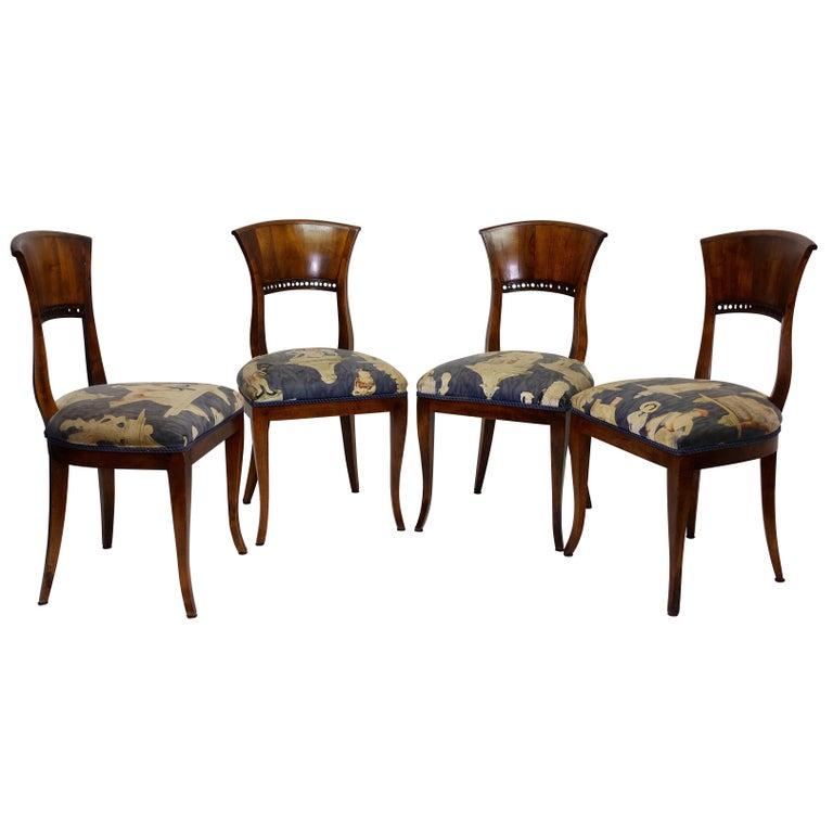 Set of Four Walnut Biedermeier Dining Side Chairs, Austrian, circa 1830