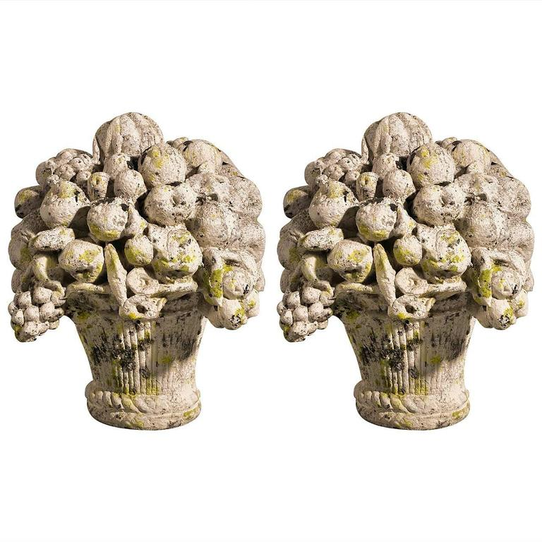 Pair of 19th Century Terracotta Flower Pots For Sale