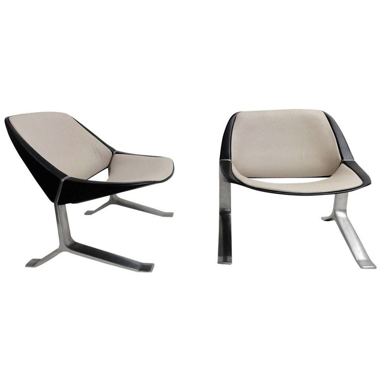 Rare Pair of Lounge Chairs by Sculptor Knut Hesterberg, 1970-1971 For Sale