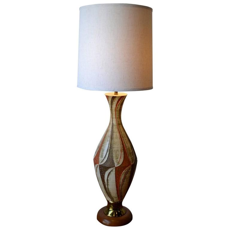 """Large Mid-Century Modern Sculptural """"Fine Art In Pottery"""" Table Lamp"""