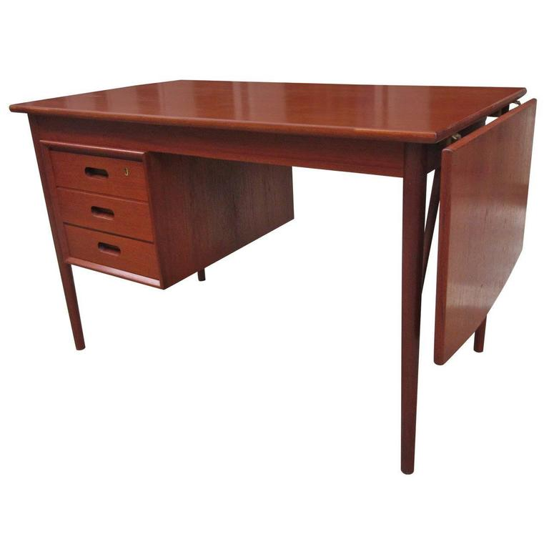 Teak Danish Desk in the Style of Hvidt 1