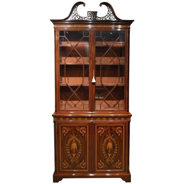Stunning Exhibition Quality Bookcase by Edwards & Roberts of London For Sale