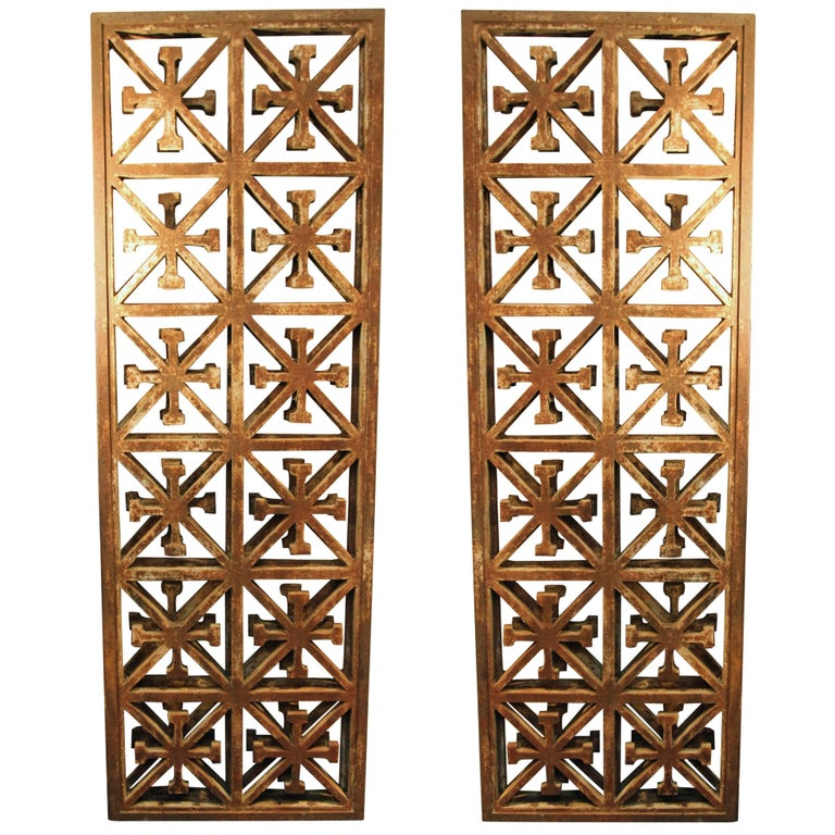 1920s Pair of Cast Iron Garden Partitions
