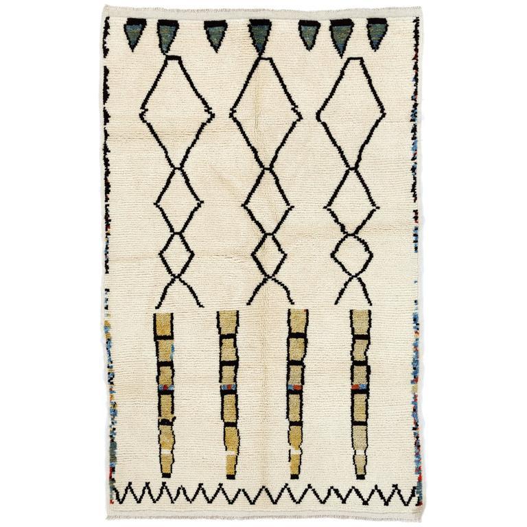 Contemporary Moroccan Wool Rug