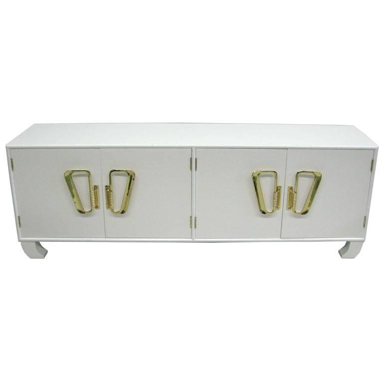 Italian Mid-Century Modern White Lacquered Sideboard or Credenza, 1970 For Sale