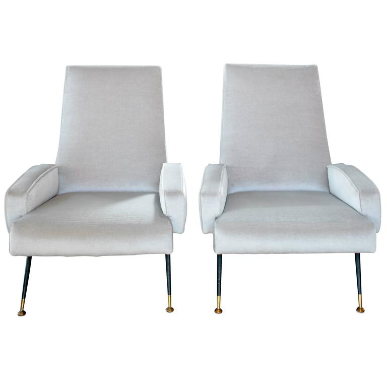 Pair of 1950s Italian Velvet Armchairs in the Style of Gio Ponti 1
