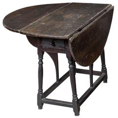 Rare Tulip Poplar Butterfly Table in Original Surface, New York, circa 1730