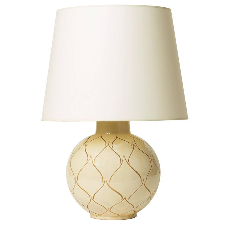 Table Lamp With Ivory Glaze And Sgraffito Ogival Or Leaf