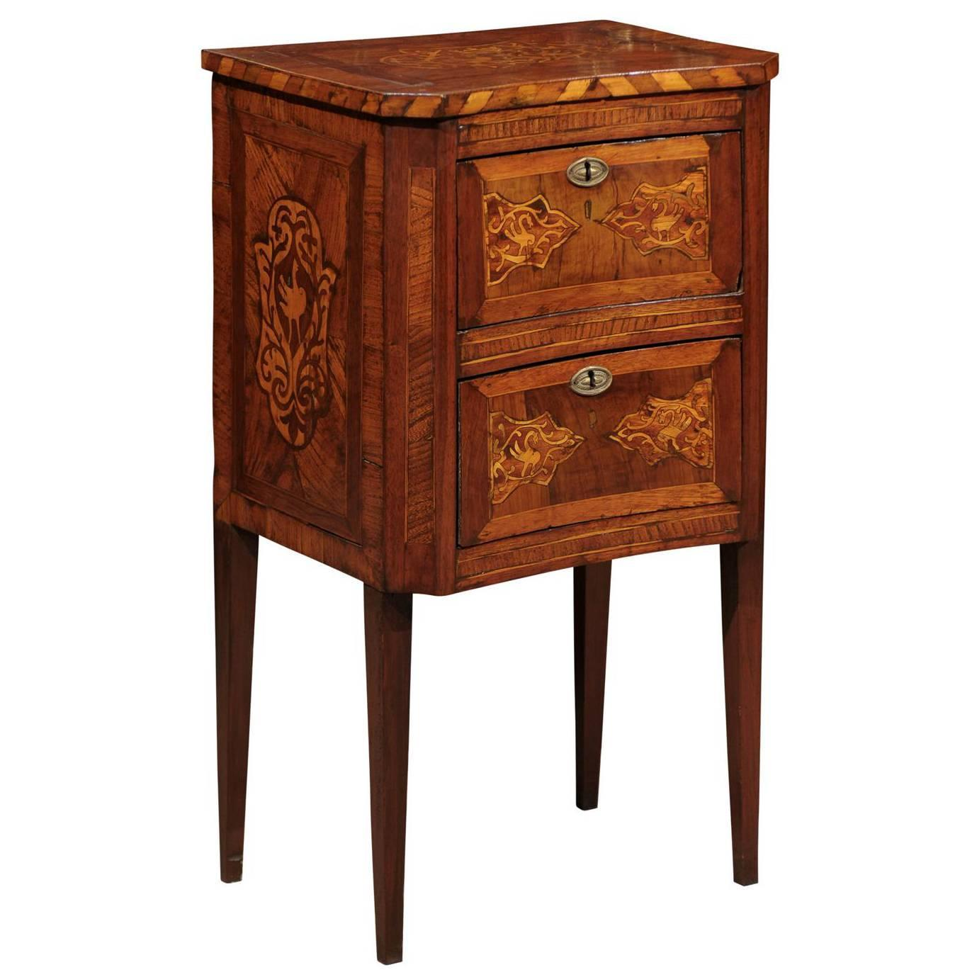 italian 19th century petite commode in ash and elm with concave front and inlay at 1stdibs. Black Bedroom Furniture Sets. Home Design Ideas