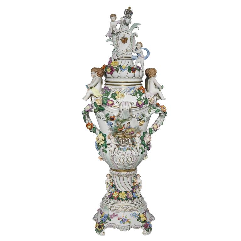 Very Large And Impressive Dresden Porcelain Vase And Cover At 1stdibs