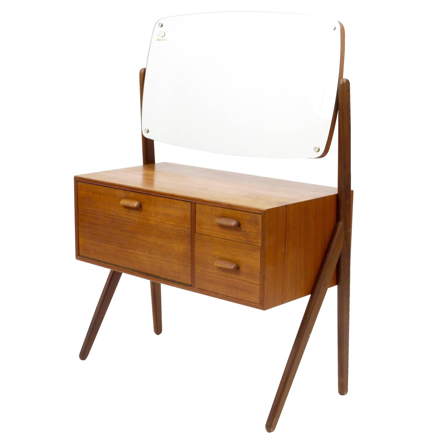 Delicieux Danish Modern Teak Vanity Table With Drawers, 1950s