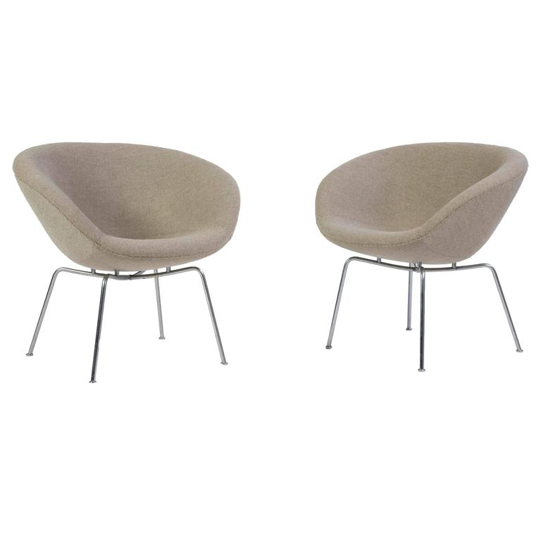 Pair of Arne Jacobsen Pot Chairs