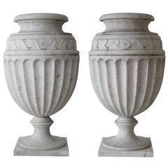 Pair of Elegant Neoclassical Urns