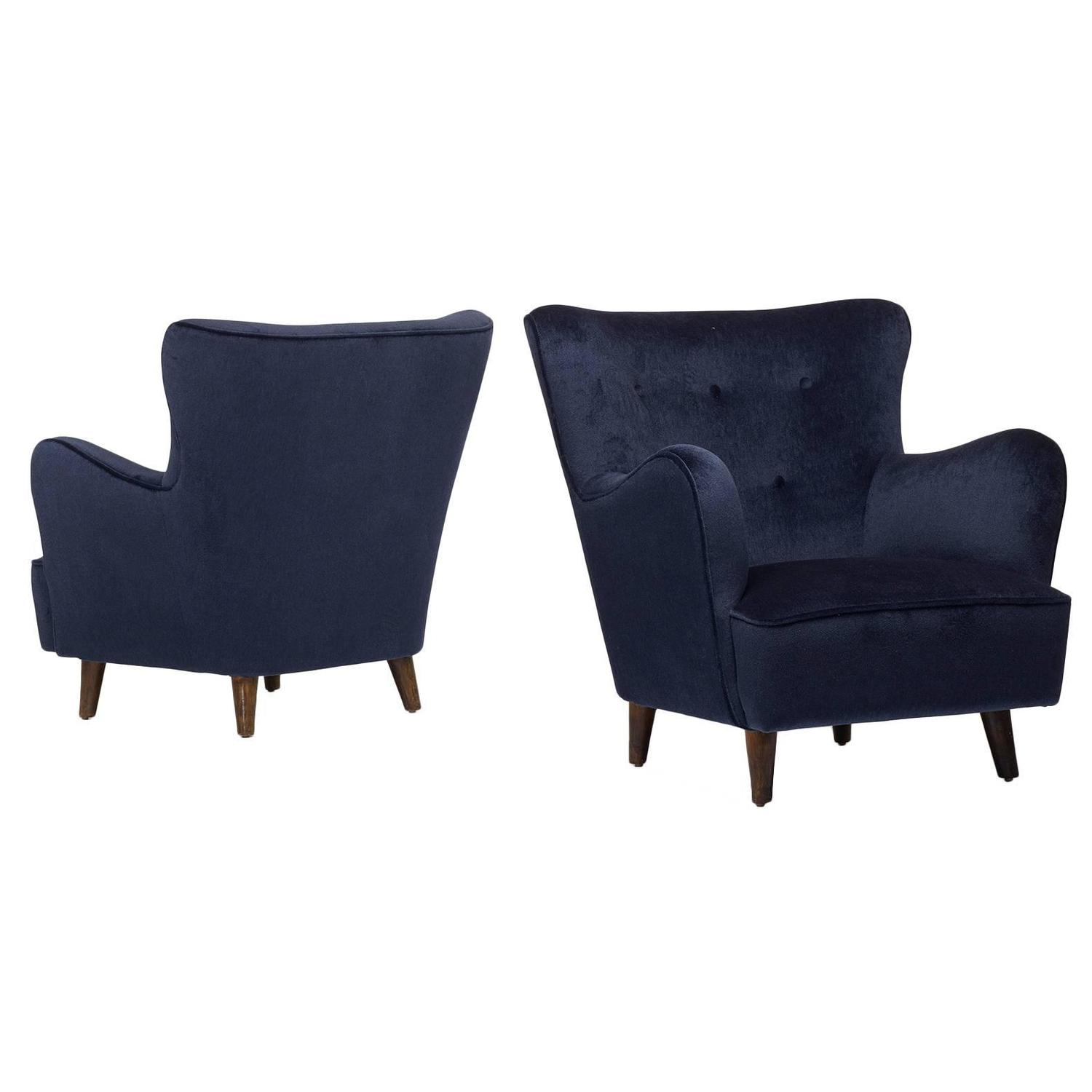 Pair of Danish Lounge Chairs at 1stdibs