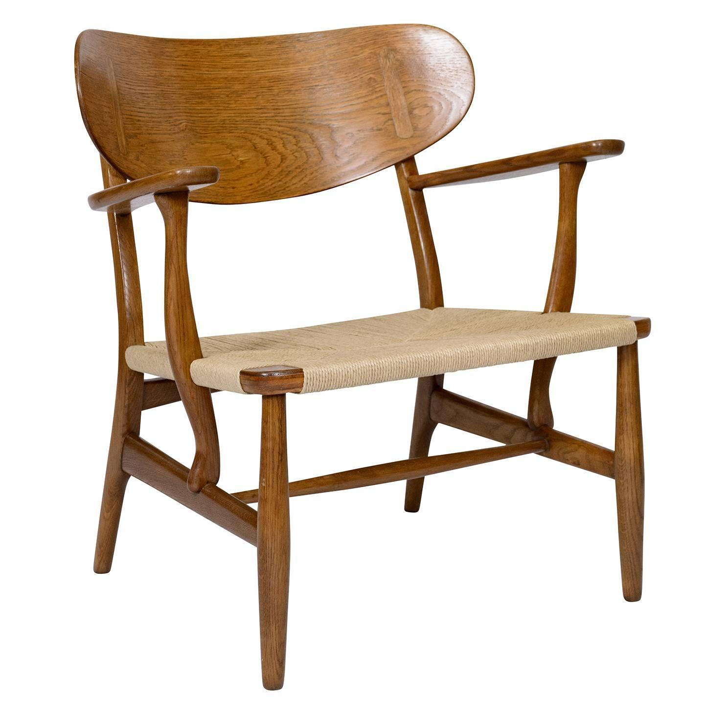Hans Wegner CH 22 Lounge Chair For Sale at 1stdibs