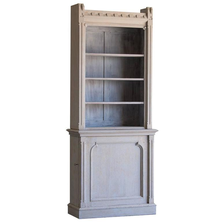 Merveilleux Shallow Antique English Painted Oak Display Cabinet Bookcase, Circa 1875  For Sale