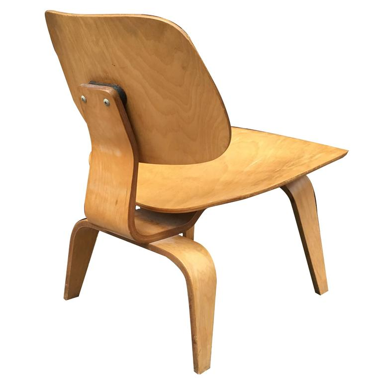 First Edition Eames Evans LCW With Earliest Label For Sale