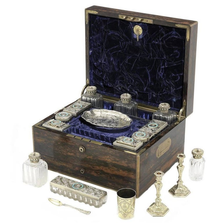 19th Century English Travelling Dressing Case For Sale