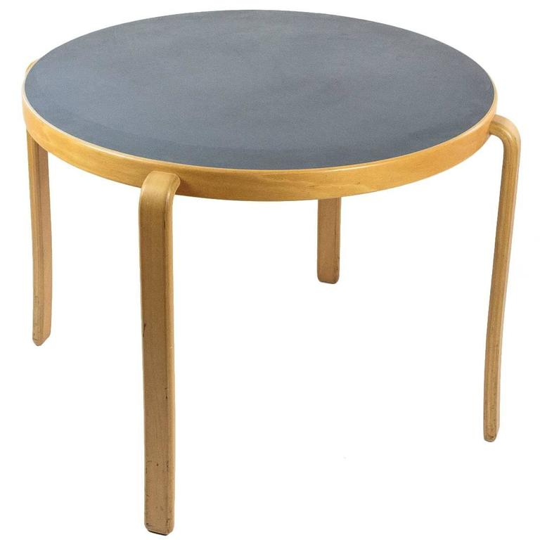8000 Serie Table by Magnus Olesen at 1stdibs : 31076magnusolesentable3orgl from www.1stdibs.com size 768 x 768 jpeg 27kB