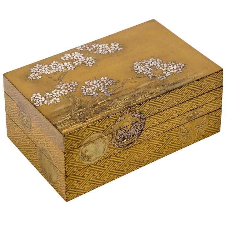 Edo Gold Japanese Lacquer Kobako Box