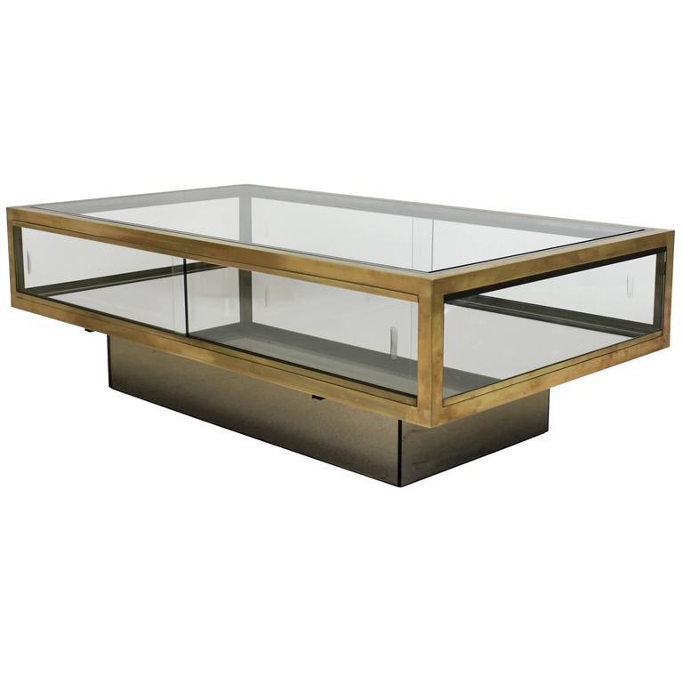 Large vitrine occasional table at 1stdibs for Table vitrine