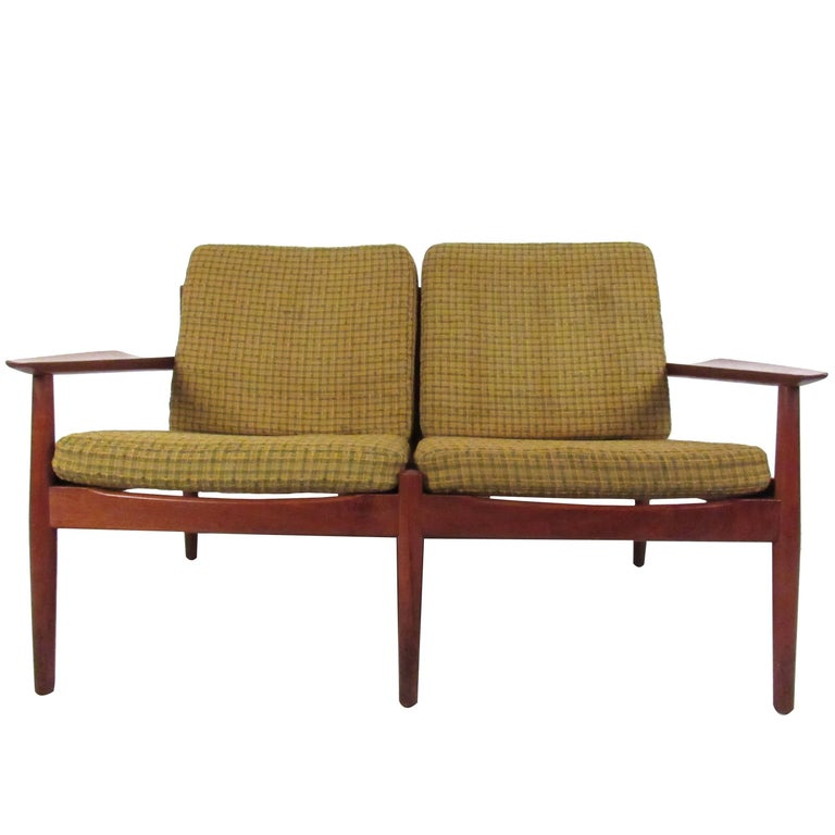 Scandinavian Modern Teak Settee by Arne Vodder For Sale