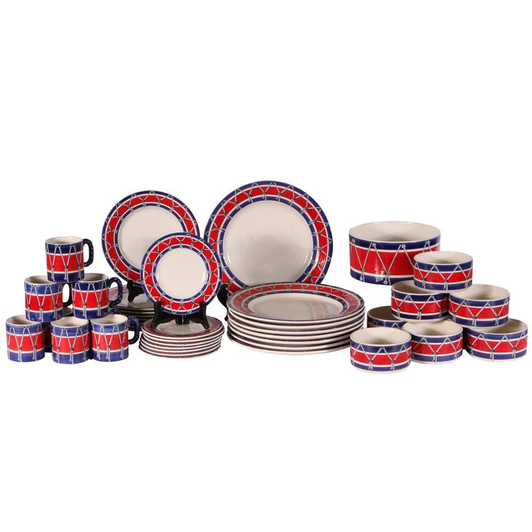 Mancioli Drum Pattern Dinnerware/Service for Eight For Sale at 1stdibs