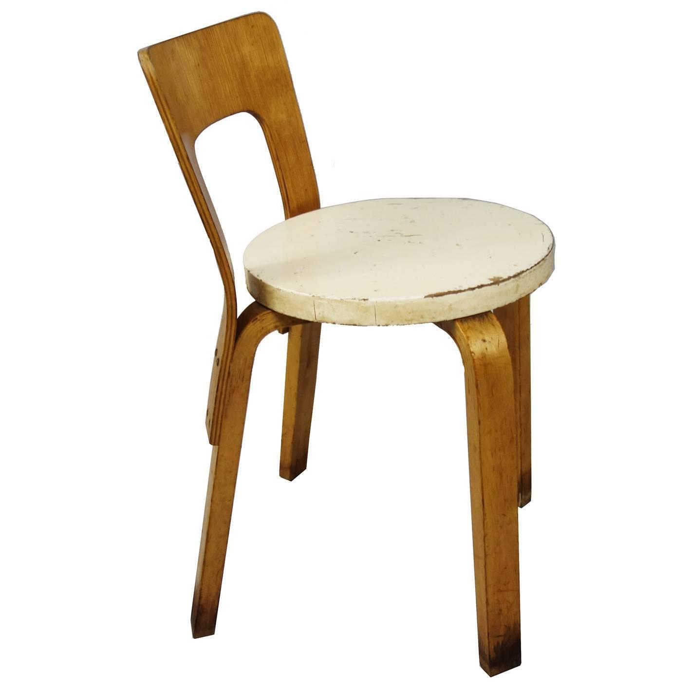 Early alvar aalto chair stool model 60 at 1stdibs for Alvar aalto chaise