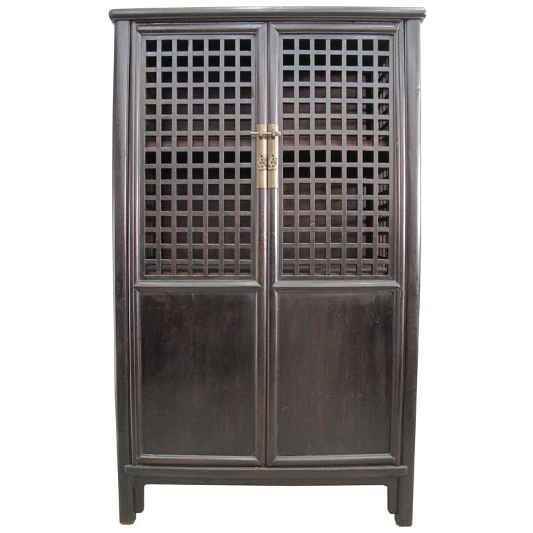 18th Century Elm Wood Chinese Cabinet With Square Lattice
