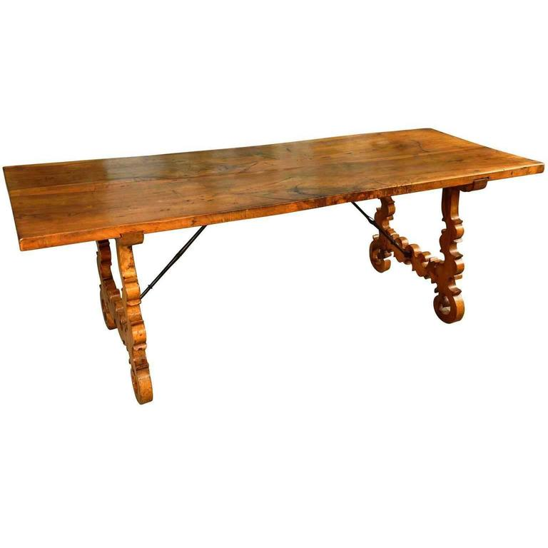 Spanish 19th century farm table trestle table in walnut for Table in spanish