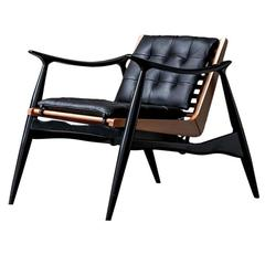 Atra Chair by Luteca - Handcrafted in Wood and Leather
