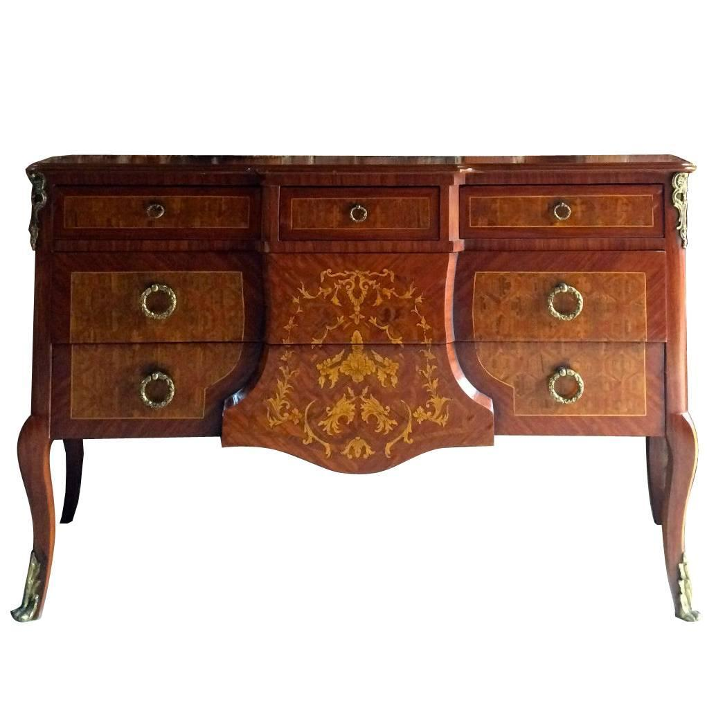 antique louis xv style sideboard credenza dresser buffet at 1stdibs. Black Bedroom Furniture Sets. Home Design Ideas