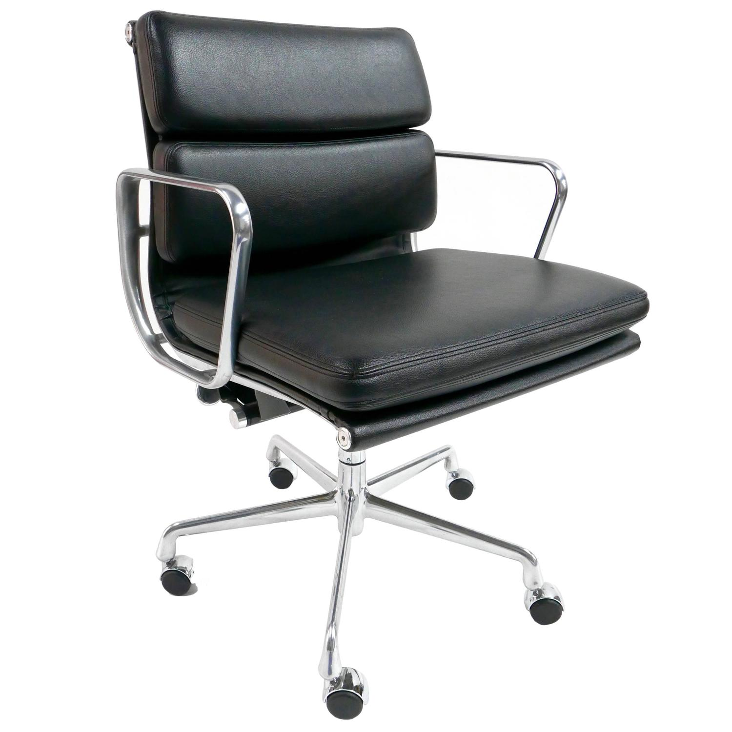 charming charles eames office chairs charles and ray eames soft pad chair for herman miller at charles ray eames furniture