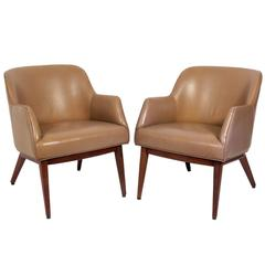 Pair of Leather Lounge Chairs Designed by Jens Risom