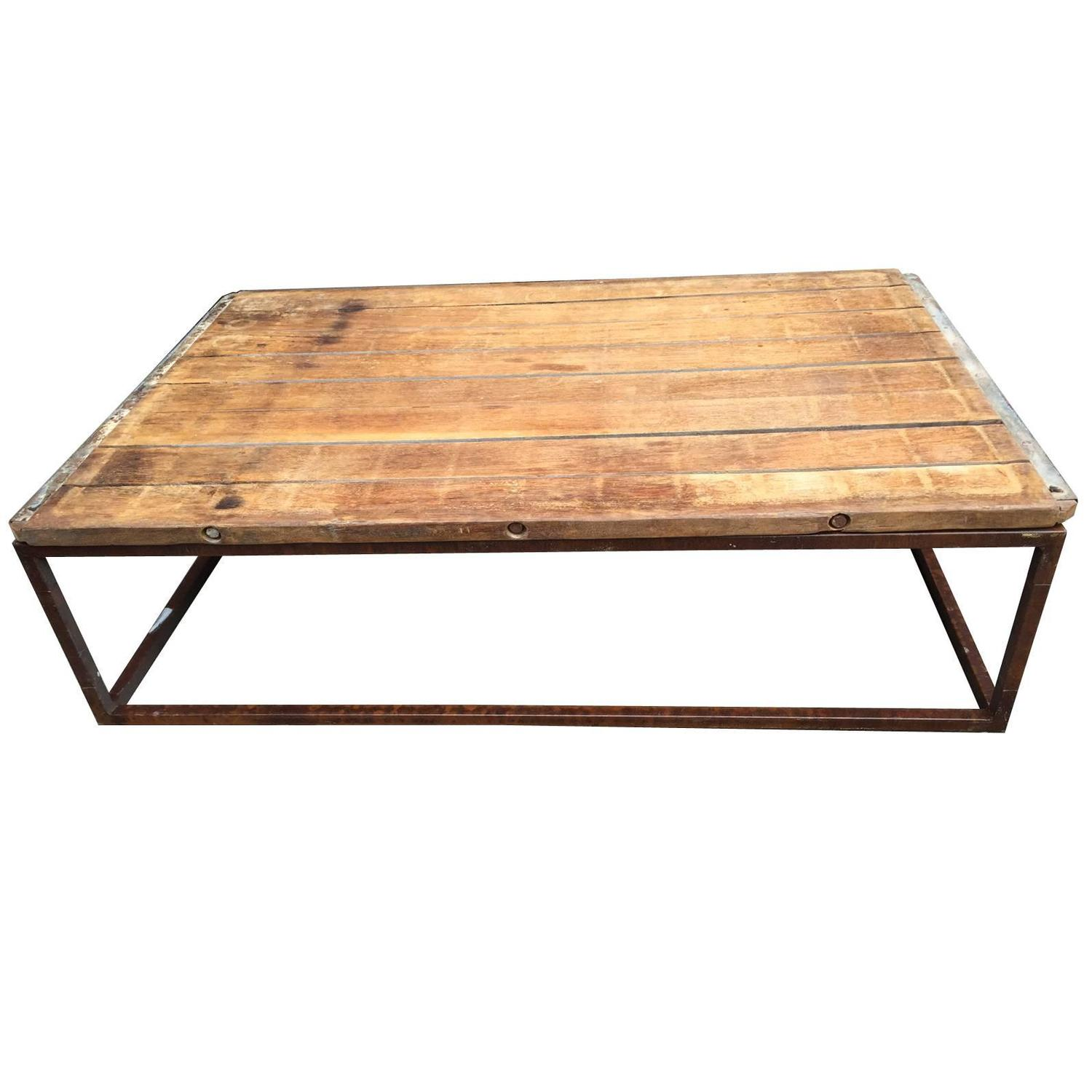 Marvelous photograph of Industrial Wood and Metal Coffee Table American circa 1920 For Sale  with #AF681C color and 1500x1500 pixels